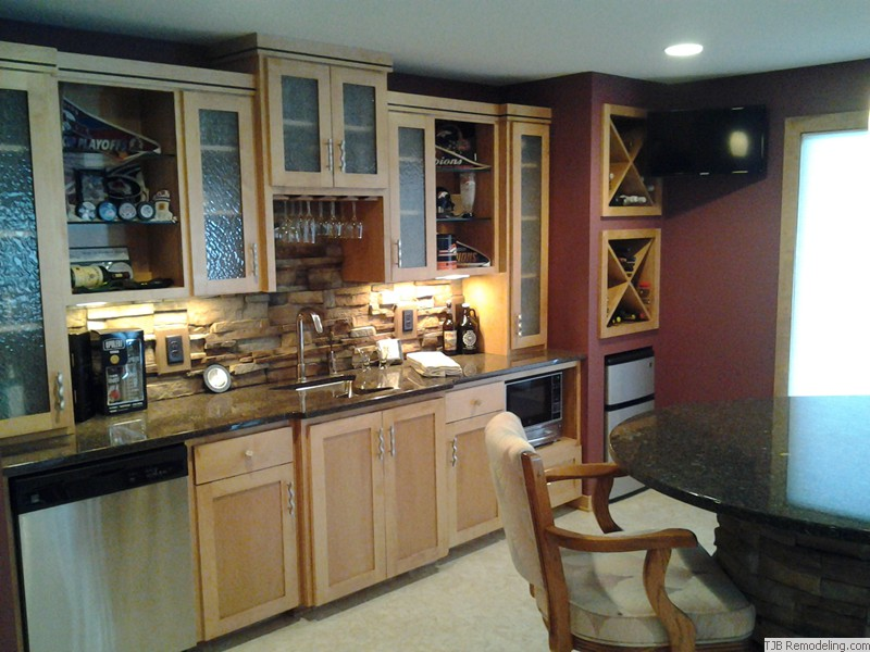 Wet bar sink, fridge, dishwasher and microwave
