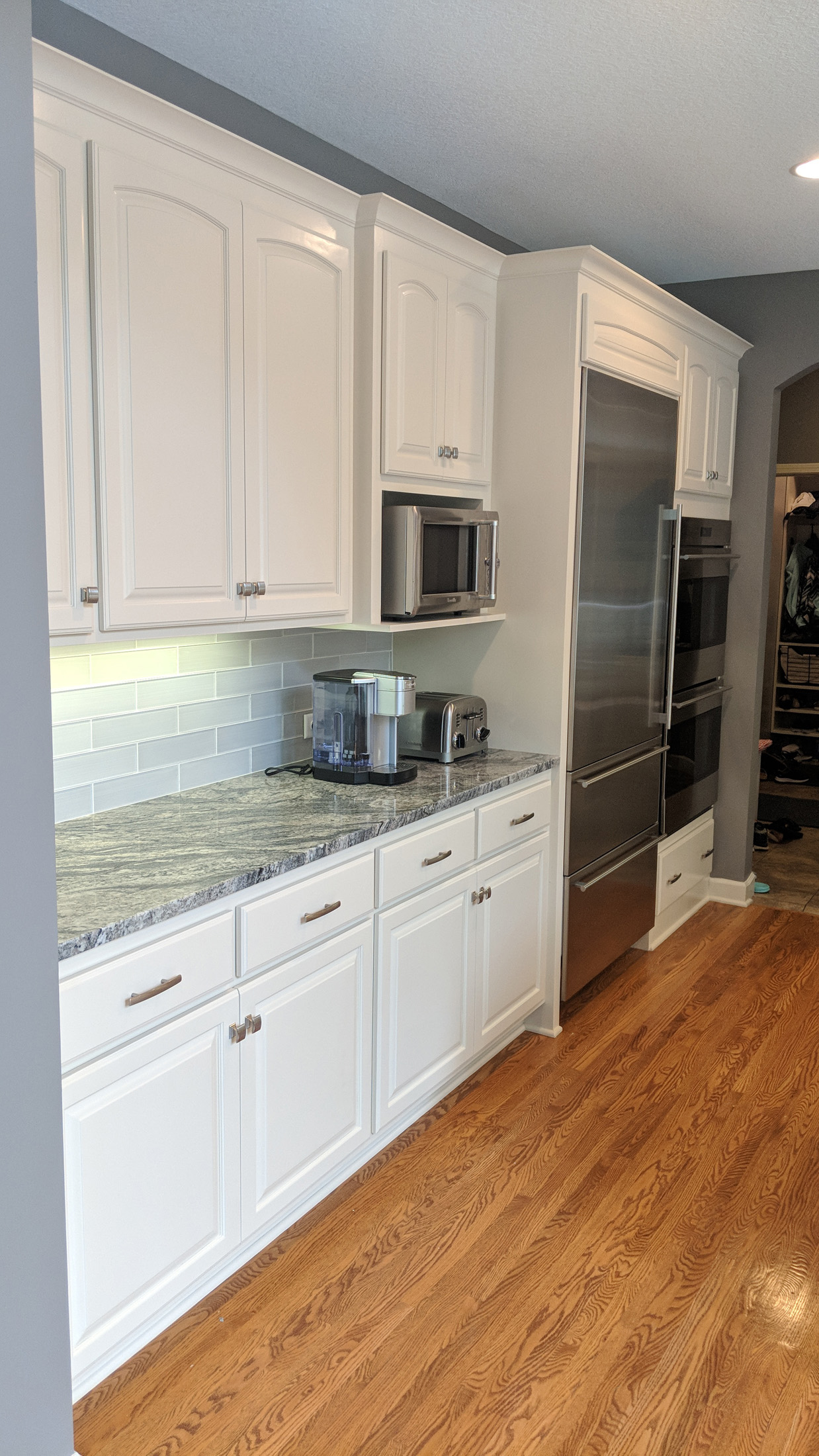 After - New appliances & enameled cabinets