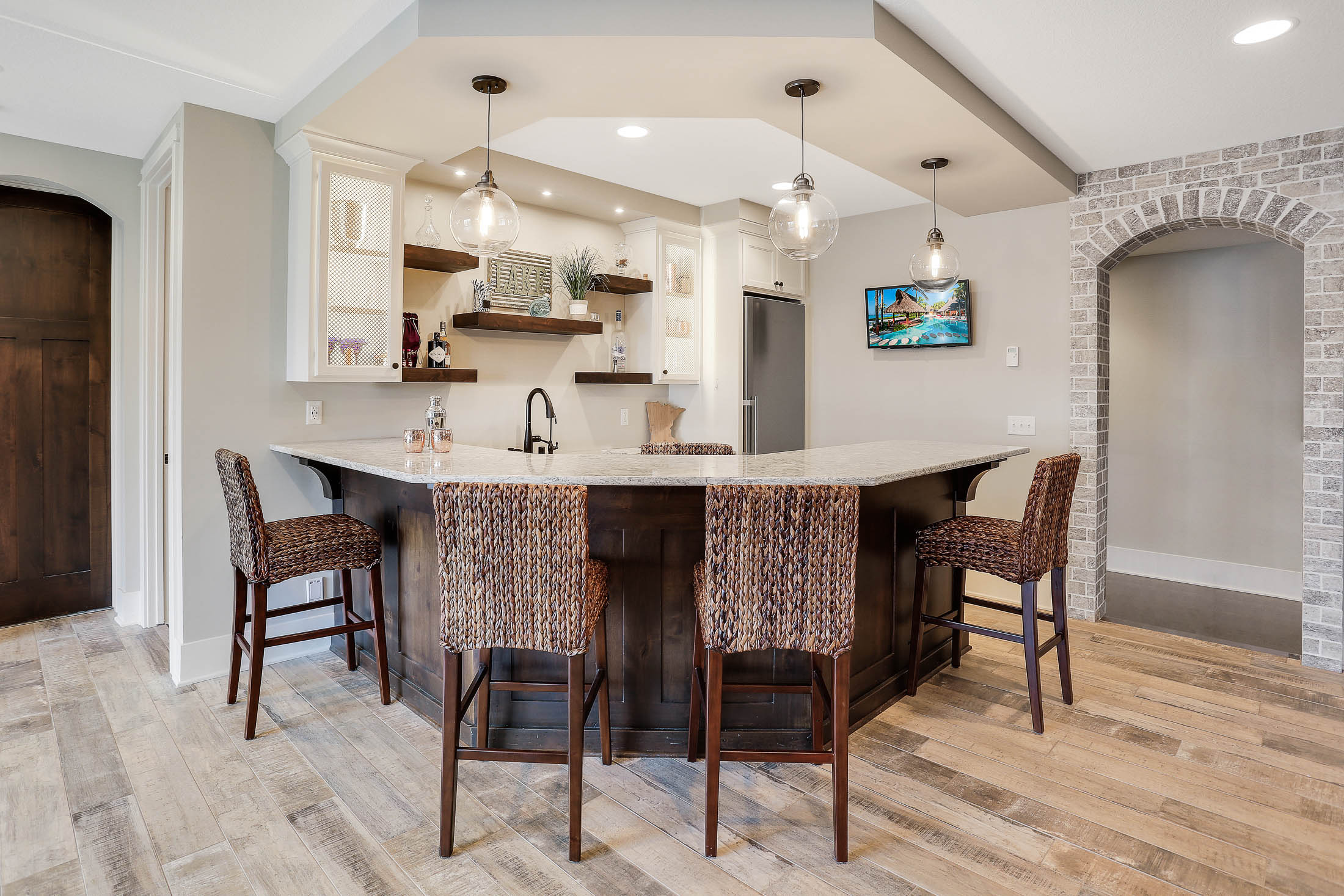 Complete wet-bar with angled island