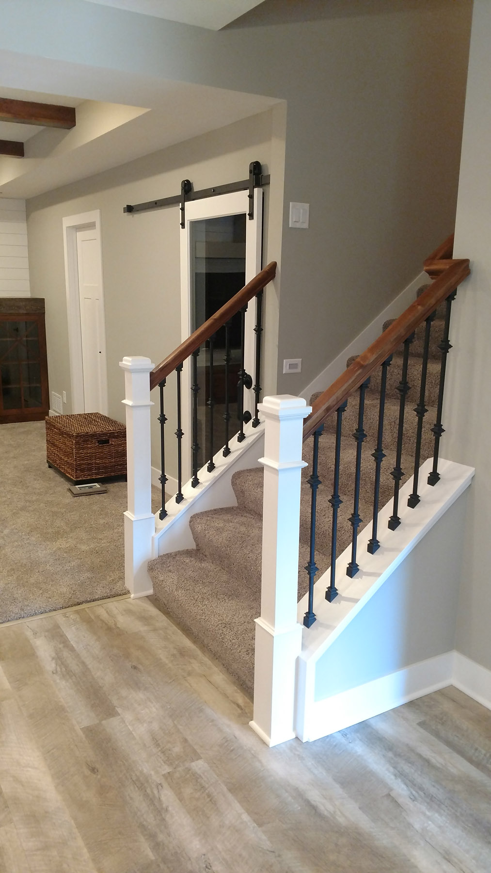 2-tone railing w/ wrought iron balusters