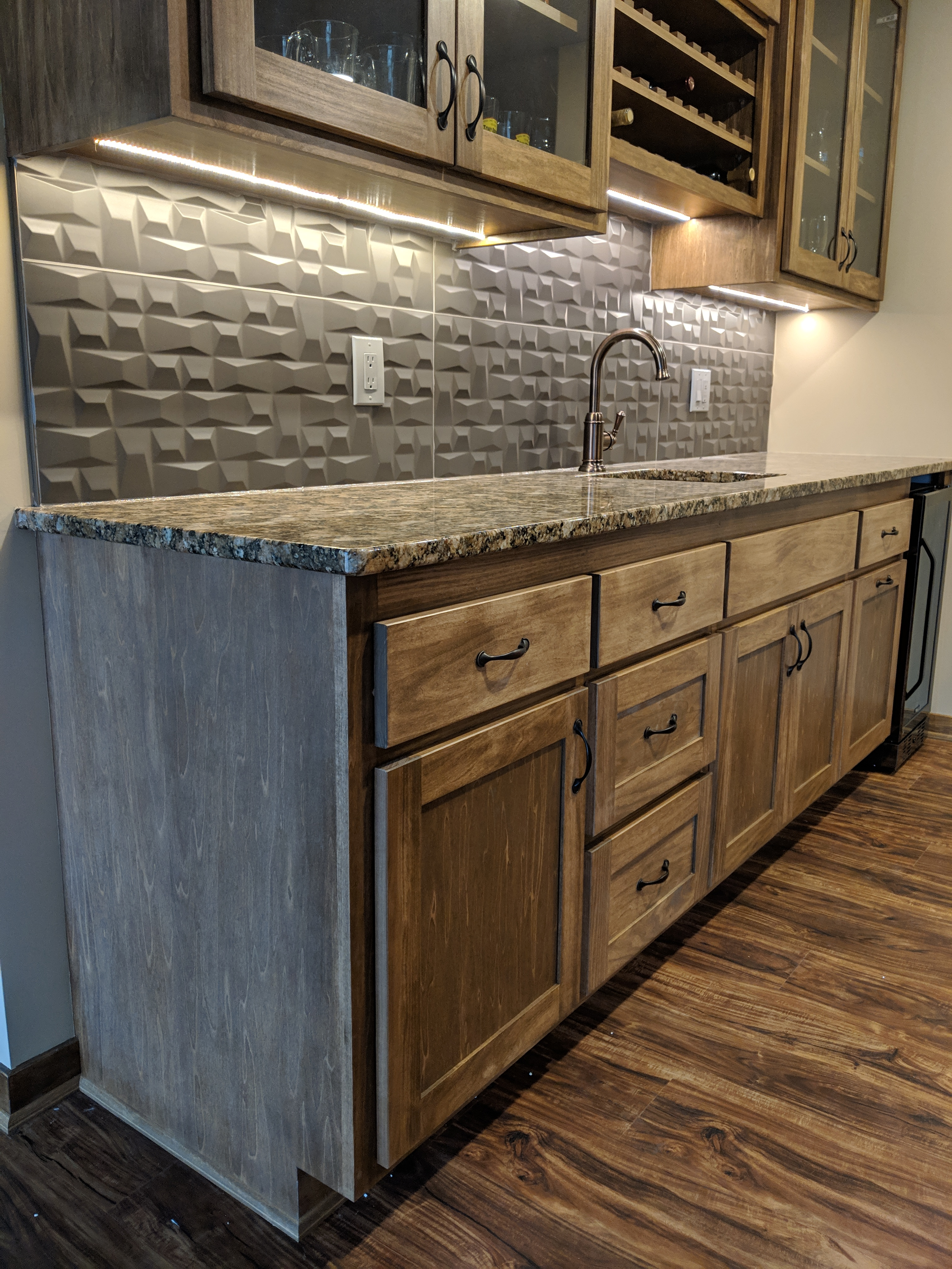 Custom wet Bar w/ granite Tile splash