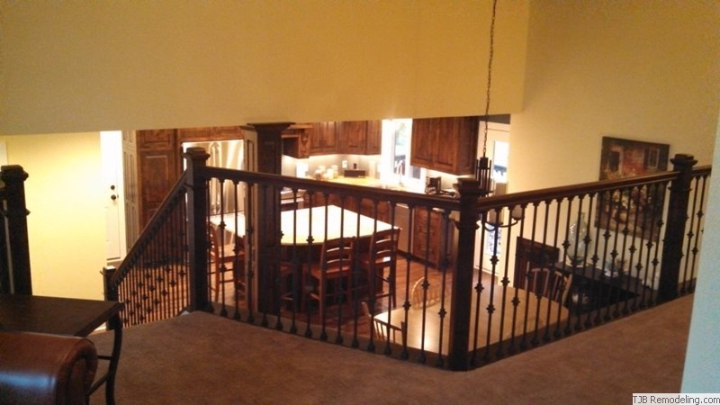 Alder Railing with Wrought Iron Pickets