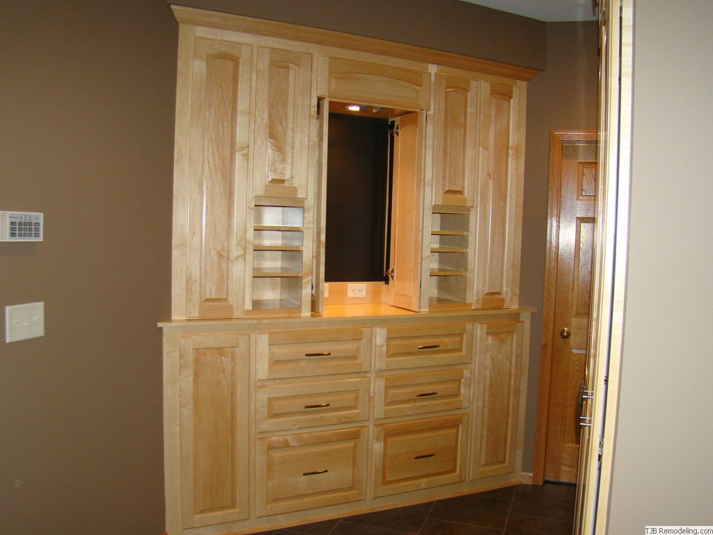 Custom Built-ins - Wickedly Awesome Cabinetry.